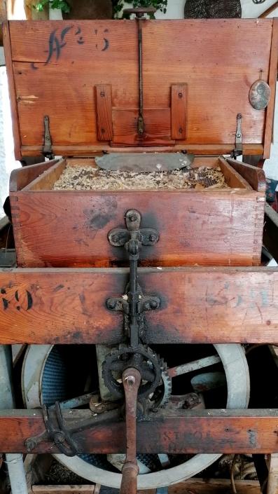Σιτηροκαθαριστική Μηχανή - Λαογραφικό Μουσείο Περαχώρας