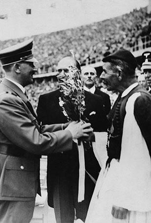 Σπύρος Λούης με τον Χίτλερ